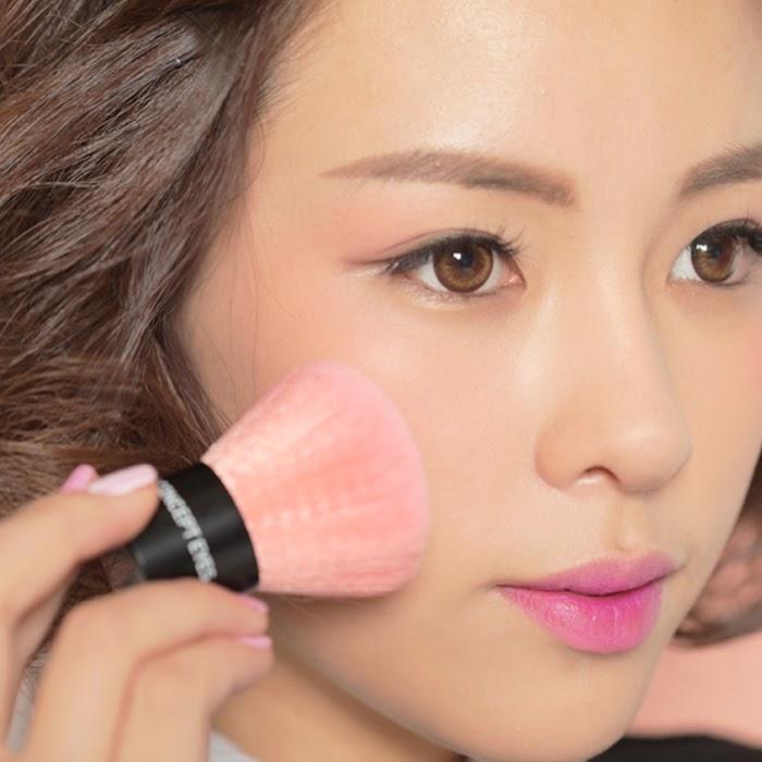 trang điểm Hàn Quốc Sự quan trọng của việc sử dụng phấn má hồng